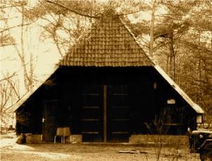 Beheerdersgebouw bij ingang kampterrein